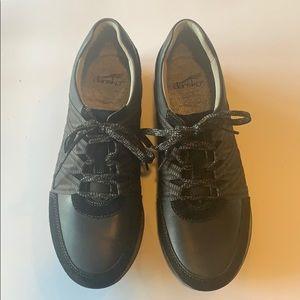 EUC Dansko sneakers